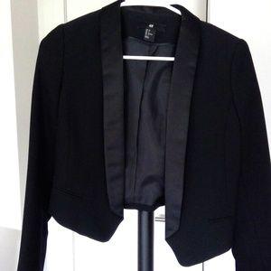H&M Tuxedo Cropped Blazer Black Sz 2